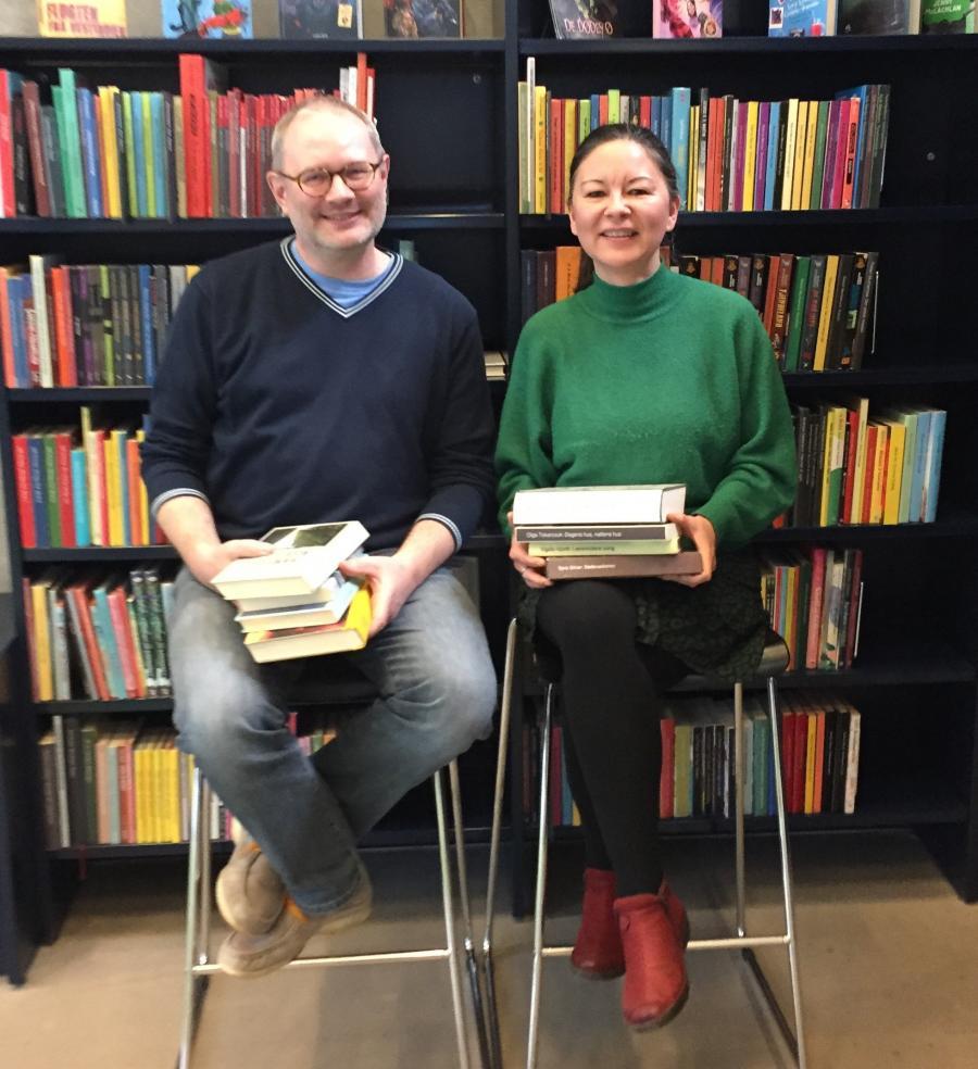 De læseglade bibliotekarer Poul og Heidi